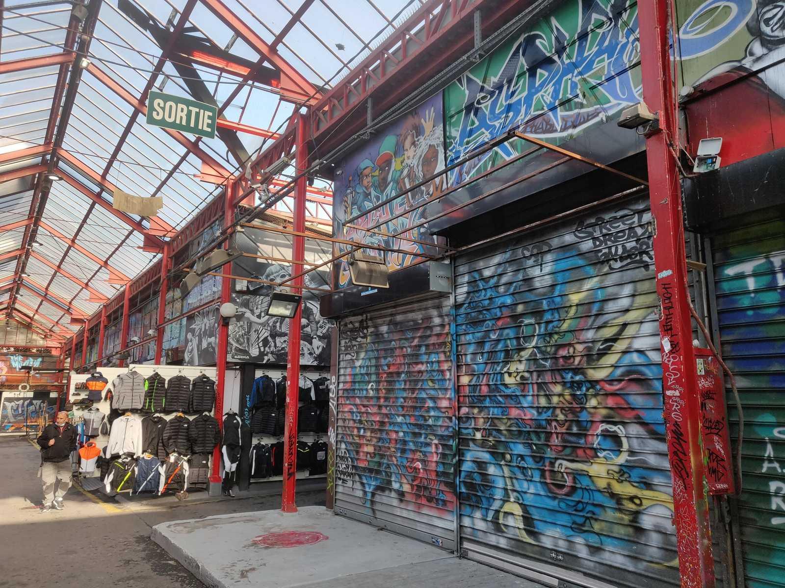 STESI Graffiti Paris Marché Malik Saint Ouen 93 Banlieue Vorort, Paris, Grand-Paris, Halle, überall Streetart und Wandmalereien
